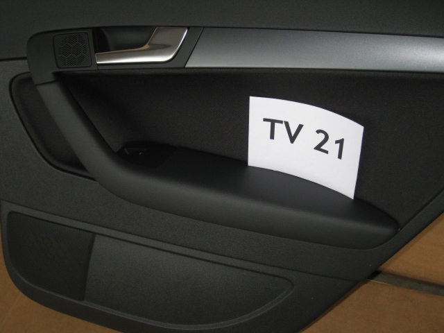 audi a3 8p sportback t rverkleidung beifahrerseite hinten. Black Bedroom Furniture Sets. Home Design Ideas